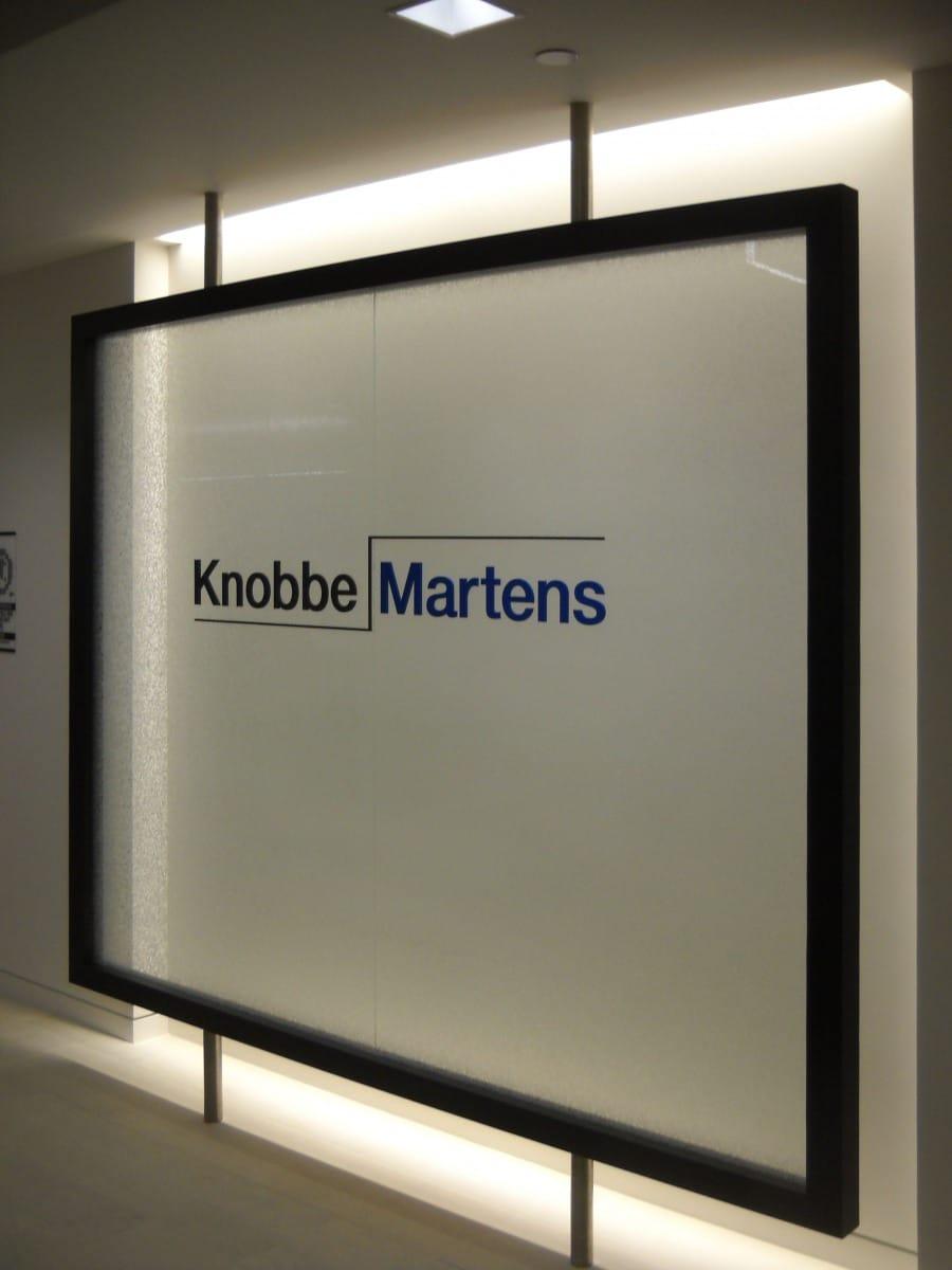 Knobbe-Martens_Window-Graphic